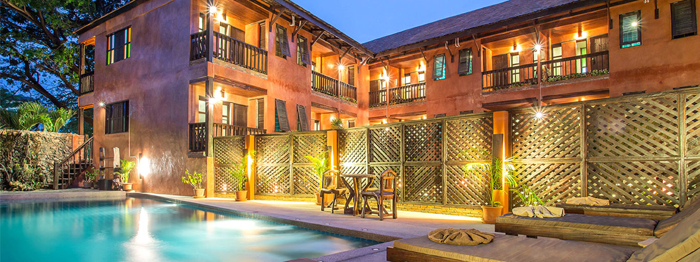 Thai and lanna style hotel accommodation in chiang mai for Classic house chiang mai massage